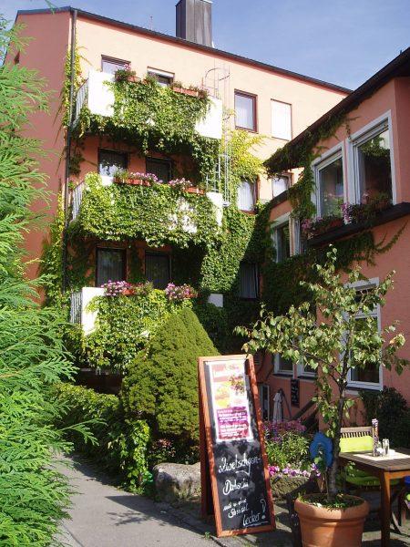 Hasi's Hotel-Café